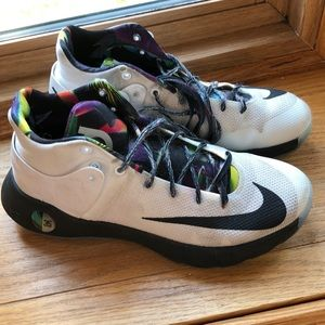 Girls Nike KD basketball shoes sneakers size 8.5